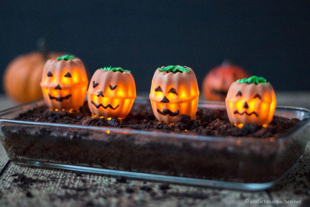 leuchtende-halloween-ku%cc%88rbisse-14